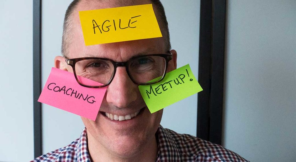 Roy with Postits Agile Coaching Meetup DSC2285 1080 letterbox crop